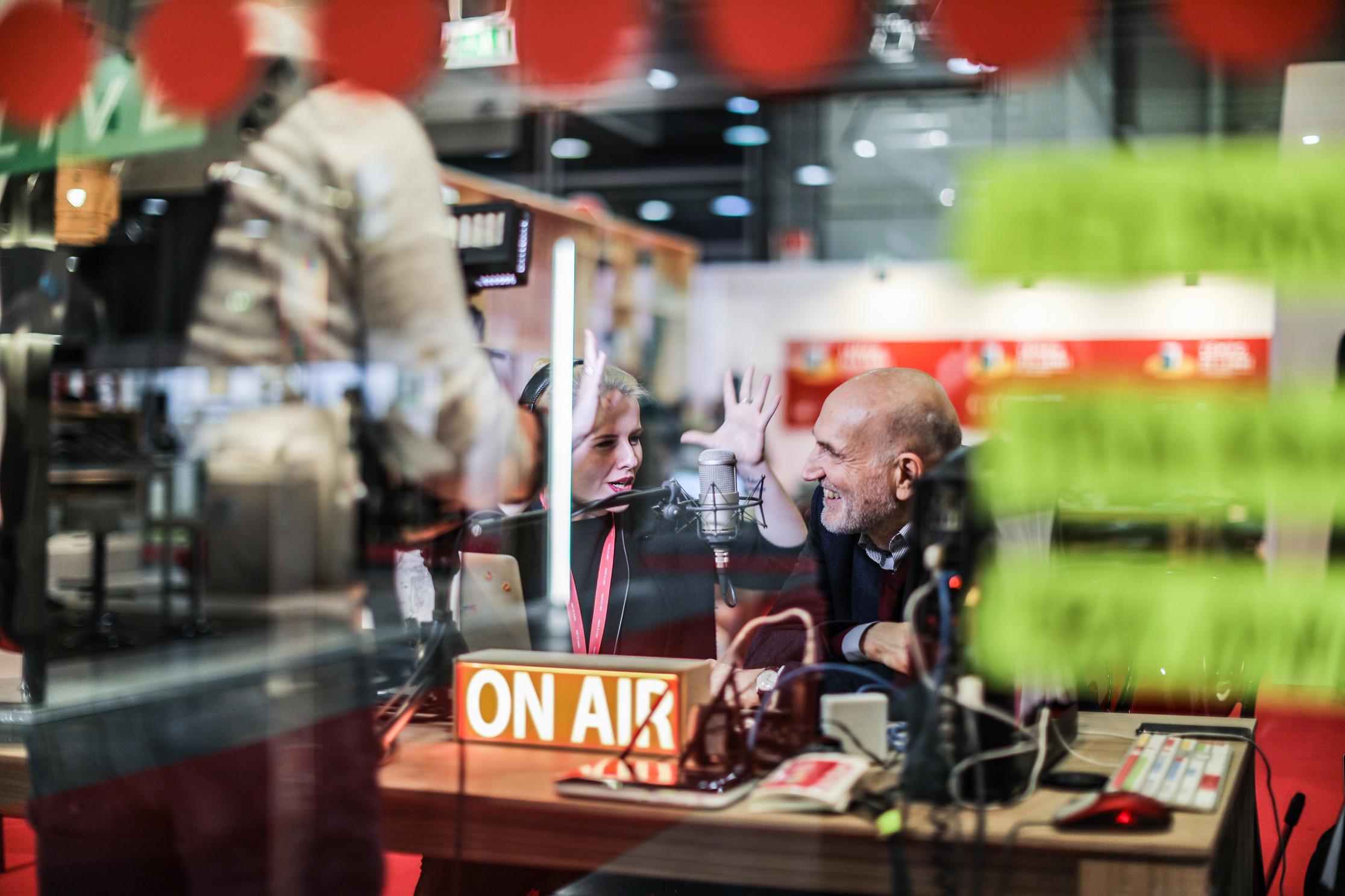 Social radio Zampediverse